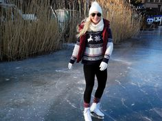 What to wear for ice-skating? I love wearing a vest, a cute woolen norwegian pullover, leggings, a fur hat, ray ban shades and some cozy norwegian socks. Click the link down below to see the details to my look!