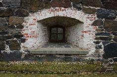 Window.   Sea Fortress of Suomenlinna, Helsinki. Photo © Soili Mustapää.