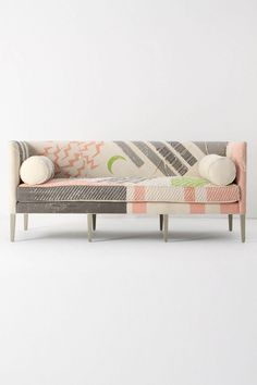 Ditte Sofa / Fred Shand Pink