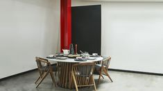 CERÁMICA DE LA CHAMBA Y CARMEN DE VIBORAL. Design Room Colombia, una vitrina al diseño contemporáneo que resalta el talento nacional. Fotografía: El Buen Ojo. Candles, Mirror, Furniture, Home Decor, Cabinets, Eye, House Decorations, Colombia, Trendy Tree