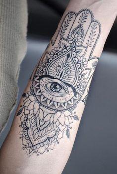 Tattoos Masculinas, Hindu Tattoos, Love Tattoos, Small Tattoos, Tattoos For Women, Fatima Hand Tattoo, Hand Of Fatima, Hamsa Tattoo Design, Tattoo Designs