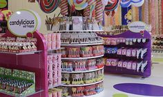 Candylicious - worlds biggest candy store in the Dubai Mall Cookie Bouquet, Candy Bouquet, Dubai Food, Toy House, Dubai Mall, Tinker Bell, Candy Store, Candyland, Caramel Apples