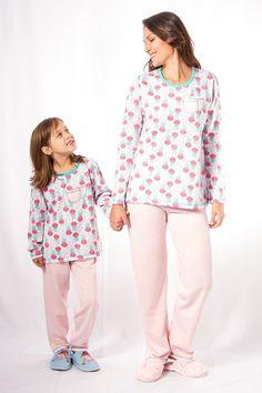 Pijama Flanelado Kit Mãe e Filha Fem. Baby Things, Kids And Parenting, Jumper, Blouse, Long Sleeve, Sleeves, Beauty, Tops, Women