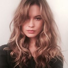 Pin for Later: Everything You Need to Know About the Sexy, Shaggy Way to Wear Bangs Behati Prinsloo Behati Prinsloo, Pelo Ondulado Natural, Pelo Natural, Curly Hair With Bangs, Long Curly Hair, Curly Hair Styles, Grown Out Bangs, Soft Bangs, Shaggy Long Hair