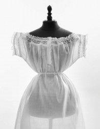 Première chemise de jour pour dame, 1860-1870.   Daguerre