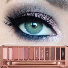 Naked 3 $1100 Una paleta con 12 sombras nunca antes vistas en tonos neutros matizados en rosa más una brocha doublé- end. www.facebook.com/makeup.makeup.545 www.kichink.com/stores/betsamakeup