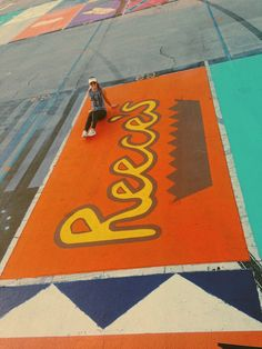 High School Seniors Paint Their Parking Spots And Their Art Goes Viral On Space Painting, Cooler Painting, University Of Georgia, Parking Space, Parking Lot, Parking Spot Painting, Crafts For Seniors, Senior Crafts, Easy Canvas Art