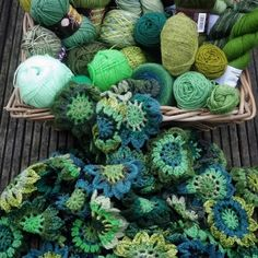 Pantone has released the new colour for 2017 and it is called greenery, I love it !! http://luciasfigtree.com/lifestyle/for-the-new-year-all-we-need-is-some-green/ #stylecraft #pantone #yarn #crochet #handmade #colours #greenery