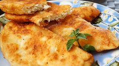 Kitchen Stori.es: Τηγανόψωμα Greek Cheese Pie, Cheese Pies, Pie Recipes, Cooking Recipes, Cheese Pie Recipe, Greek Cooking, Kitchen Stories, Everyday Food, Mediterranean Recipes