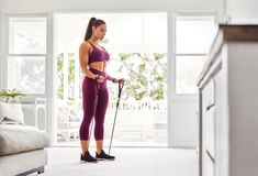 15 Minute Resistance Band Workout – Work Out at Home With a Resistance Band | Apartment Therapy Best Resistance Bands, Resistance Band Exercises, Arm Exercises, Workout Exercises, Workout Ideas, Single Leg Press, Straight Leg Deadlift, Arm Curls, 15 Minute Workout
