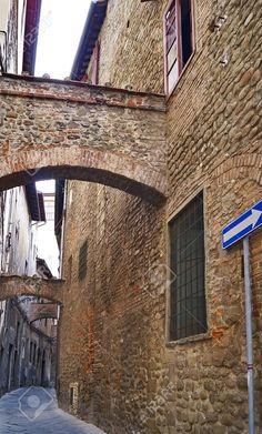 http://www.123rf.com/photo_46308104_old-street-in-pistoia-tuscany-italy.html