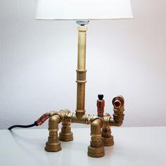Φωτιστικό με υδραυλικά εξαρτήματα Βιομηχανικό και vintage plumbing pipe desk lamp  by Giannis DENDRINOS  180 ευρώ  dendrinosyan@hotmail.com