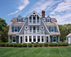 Photos of fine Cape Cod Homes - Morris Island Guest House - Cape Cod Architects. (cape cod cottage homes) Style At Home, Coastal Homes, Coastal Living, Coastal Cottage, Coastal Farmhouse, Modern Coastal, Coastal Style, Victorian Homes, Modern Victorian