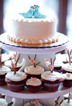 O blog Noivas & Etc é destinado a ajudar e auxiliar noivas e noivos que estão na fase dos preparativos do casamento e que estão à procura de dicas e sugestões, assim como convidadas, madrinhas e parentes dos noivos. Nosso objetivo é inspirar os leitores com as melhores idéias e referências, divulgar e indicar fornecedores, serviços e produtos de qualidade.