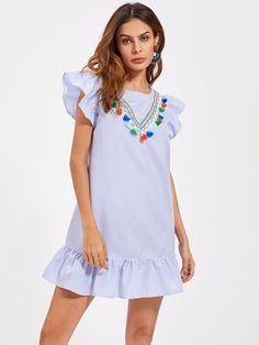 ¡Consigue este tipo de vestido informal de SheIn ahora! Haz clic para ver los detalles. Envíos gratis a toda España. Tassel Trim Flutter Sleeve Frilled Hem Dress: Blue Casual Cute Polyester Round Neck Cap Sleeve Shift Short Cut Out Button Ruffle Fringe Striped Fabric has no stretch Summer Tunic Dresses. (vestido informal, casual, informales, informal, day, kleid casual, vestido informal, robe informelle, vestito informale, día)