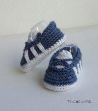 Patucos bebé (Otoño, Invierno) zapatillas tipo Nike logo dorado hecho a mano en LANA de alta calidad 3-6 meses, Blanco