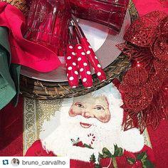 #Repost @bruno_carvalho with @repostapp. ・・・ Mesa linda de natal tomando forma. BC para @casa_campos  #windowsstore #designbrasileiro #homedecor #lifestyle #visualmerchandising  #design #showcase #beautiful #colors #flowers #interiordesign #magazine