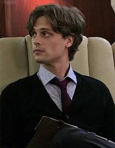 """did you put something in my tea?"""" """"Maybe, but that something would be completely organic."""" """"What something completely organic? potentially an aphrodisiac. Dr Reid, Dr Spencer Reid, Spencer Reid Criminal Minds, Criminal Minds Cast, White Boys, White Man, Beautiful Boys, Pretty Boys, Matthew Gray Gubler"""
