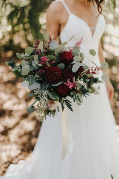 needs a little more flowers and a little less leaves with maybe some blush/lighter flowers added in for contrast to just the burgundy and green with slight pink Bridal Bouquet Fall, Fall Wedding Bouquets, Bride Bouquets, Bridal Flowers, Boho Wedding Flowers, Boho Flowers, Blush Flowers, Flower Bouquets, Burgundy Wedding Flowers