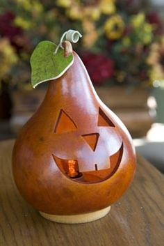 Halloween Traditional Jack O Lantern Small Lit Gourd Halloween Gourds, Fall Halloween, Halloween Crafts, Halloween Decorations, Fall Decorations, Halloween Ideas, Happy Halloween, Nature Crafts, Fall Crafts