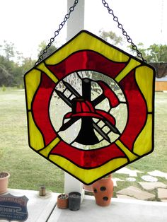 Firefighter's Maltese Cross Want this Firefighter Cross, Firefighter Family, Firefighter Pictures, Firefighter Decor, Female Firefighter, Stained Glass Projects, Stained Glass Patterns, Mosaic Glass, Glass Art
