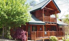 Well-equipped cabins near Pigeon Forge; cabins can feature wood-burning fireplaces, kitchens, hot tubs, and whirlpool bathtubs