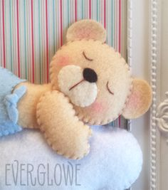 Sneak Peek! A sleepy teddy bear for new baby boy! #newborn #frame #everglowe Μία πεταχτή ματιά! Ένας νυσταγμένος αρκούδος για ένα μωρό αγοράκι! #newborn #frame #everglowe