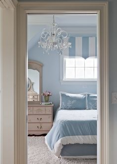 Last Trending Get all images decorating new home ideas Viral c fc bbd f aba f New England Style Homes, New Homes, My Home Design, House Design, New England Bedroom, Interior Design Living Room, Living Room Designs, Pretty Bedroom, Blue Bedroom