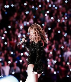 Beautiful Taylor Swift, Taylor Swift Hot, Red Taylor, Taylor Swift Wallpaper, Swift Photo, Taylor Swift Pictures, Son Luna, Taylors, Ed Sheeran
