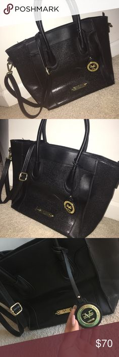 BLACK LEATHER STRUCTURED TOTE -VERSACE 1969 Purchases from Tjmaxx online - black leather structured tote- Versace 1969 Abbigliamento Sportivo SRL MADE IN ITALY Versace Bags Shoulder Bags