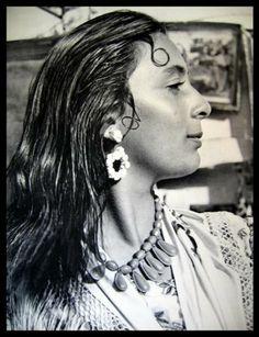"""Romni...""""gypsy woman"""""""