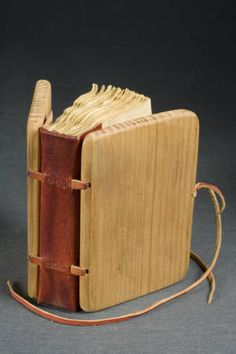 Composite hypothetical sewing :: University of Iowa Libraries Bookbinding Models