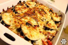 Emcia Pichci!: Ryżowa zapiekanka z bakłażanem Lasagna, Cauliflower, Vegetables, Ethnic Recipes, Food, Cauliflowers, Vegetable Recipes, Eten, Veggie Food