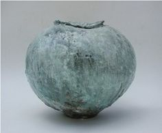 This Wonderful Moon Jar is a ceramic jar by Akiko Hirai and was listed on the New Craftsmans Gallery. The jar has since been sold. You can see more of Akiko's ceramics on the New Craftsman Ga… Glass Ceramic, Ceramic Clay, Porcelain Ceramics, Ceramic Pottery, Pottery Art, Slab Pottery, Thrown Pottery, Pottery Studio, Pottery Ideas