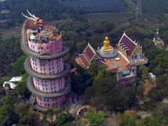 Man's Impact on the Environment The Dragon Temple at Wat Samphran Amphoe Sam Phran, Nakhon Pathom, Thailand Pink Dragon, Green Dragon, Dragon Art, Unusual Buildings, Amazing Buildings, Temple Thailand, Bangkok Thailand, Giant Buddha, Buddha Temple