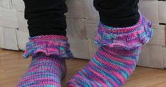 Nuoren tyttösen kässäblogi, luvassa inspiraatiota ja paljon herkullisia värejä! Leg Warmers, No Frills, Socks, Ruffles, Fashion, Leg Warmers Outfit, Moda, Fashion Styles, Sock
