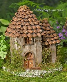 garden outdoors Are you looking for ways to create your own DIY Fairy Garden Outdoor Design? There are many great DIY Fairy Garden Outdoor Design ideas that you can use to create a mag Fairy Garden Houses, Garden Cottage, Gnome Garden, Fairy Gardening, Fairies Garden, Diy Fairy House, Indoor Gardening, Gardening Quotes, Organic Gardening
