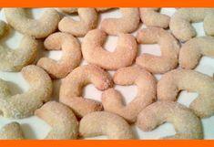 Vanilkové rožky - nenormálne jemné Recept na vanilkové rožky, ktorý je možno o trošku náročnejší, ale iba na prvý pohľad. Akonáhle sa do toho pustíte, prídete tomu na chuť. Ingrediencie 300 g hladkej múky 250 g ozajstného masla 100 g najemno pomletých orechov nejlepšie bez škrupiny 100 g práškového cukru Inštrukcie Kto robieva vanilkové rožky, …