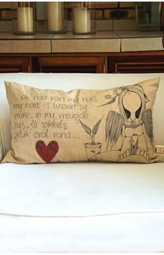 My Huis My Hart Kussing Stencil Art, Stencils, Scatter Cushions, Throw Pillows, Afrikaanse Quotes, Cushion Ideas, Hart, Om, Doodles