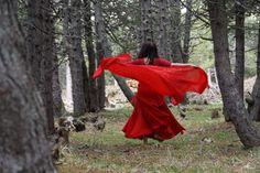 Der Tanz des Herzens in der Natur.  Bewege deinen Körper frei zu den Klängen der Natur.  Irgendwann kommen automatisch die Bewegungen, die deinen Körper harmonisieren und dadurch kann sich dein Herz öffnen.