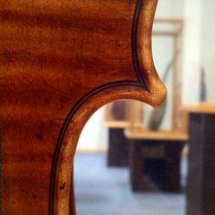 Harrison Stradivari violin, 1693 Violin Repair, Antonio Stradivari, Music Museum, Cello, Musical Instruments, Guitars, Sheet Music, Ears, Note