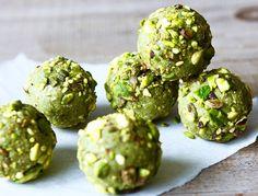 We love matcha. We love bliss balls. So we made some matcha bliss balls. Tea Recipes, Raw Food Recipes, Healthy Recipes, Protein Ball, Protein Snacks, Snacking, Organic Matcha, Matcha Mylkbar, Japanese Matcha