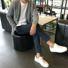 The Best Examples for Korean Street Fashion How To Wear Cardigan, Dress With Cardigan, Cardigan Fashion, Men Cardigan, Stylish Mens Outfits, Casual Outfits, Fashion Outfits, Fashion Ideas, Fashion Styles