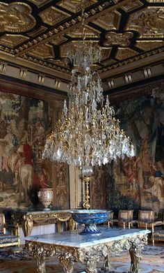 Medieval castles: Fontainebleau: a soul longing in search of Heaven Palace Interior, Interior And Exterior, Luxury Interior, Antique Chandelier, Chandelier Lighting, Crystal Chandeliers, Baroque, Rococo, Chateau Versailles
