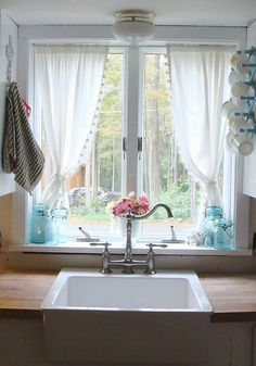 Ideas farmhouse kitchen window curtains interior design for 2019 Kitchen Sink Window, Kitchen Window Curtains, Kitchen Window Treatments, Farmhouse Curtains, Rustic Curtains, Kitchen Windows, Shabby Chic Kitchen Curtains, Country Curtains, Modern Curtains