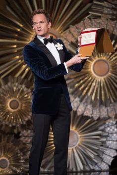 Tom Ford Navy velvet smoking jacket - Neil Patrick Harris was the best-dressed man at the Oscars - GQ.co.uk