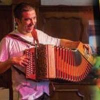 Erlanger Bal Folk Festival 2015 : Nach dem erfolgreichen ersten Erlanger Bal Folk Festival 2013 sind wir guter Dinge, dass auch eine zweite Ausgabe dieses Formats bei den Tänzerinnen und Tänzern ankommen wird! #Event #Eveeno
