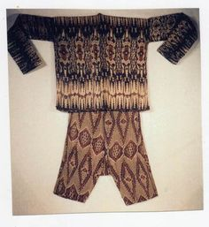 filipino textile - Bla'an man's abaka and ikat jacket and trousers, Mindanao, early 20th century.  It has been subsequently suggested that these garments are from the T'boli in Mindanao.