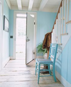 Ralph Lauren foyer, pale blue walls, white beachy foyer, stylelinx.blogspot.com