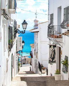 "1,237 Likes, 31 Comments -  (@delafuente___) on Instagram: ""Altea (Spain) . #fantastic_colours #ig_spain #europe_ig #ig_europe #playa #pueblosconencanto…"""